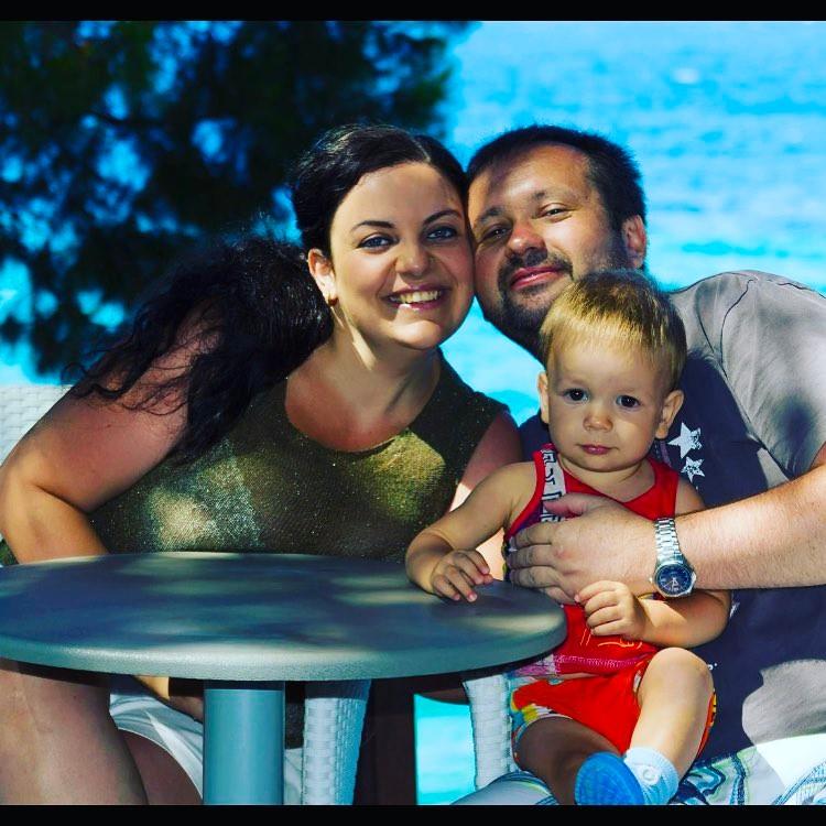 Наталья Холоденко с семьей